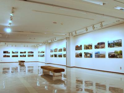 露口啓二『地名』展示風景(八戸市美) photo by ICANOF