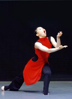 豊島和子追悼作品『人称と所在』に出演する田中幸乃が、新作ソロ『アスファルト・バビロン bis 』に挑む