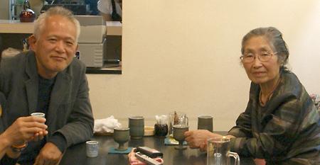 2008年9月27日、伊藤二子個展を観たあと、番丁庵での打合せ(左:露口さん 右:伊藤さん)